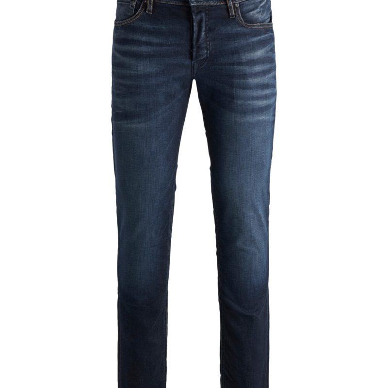 Mörkblåa jeans från Jack & Jones. Jeansen är något tvättade och dem sitter varken för tajt eller för löst. Finns två fickor i fram och i bak.